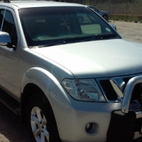Nissan Pathfinder 2.5 Dci SE Automatic
