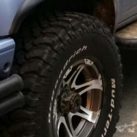 BF Goodrich mud terrain 33/12.5/15