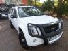 isuzi kb250 Double cab  2011 with bullbar