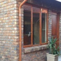 Neat Self contained separate entrance granny flat in Suiderberg.