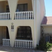 modern double storey home - Shallcross