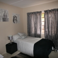 SHARED ACCOMMODATION IN MODERN 4 BEDROOM APARTMENT