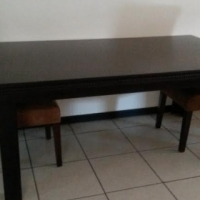 Solid wood 6-seater dinningroom table (only)