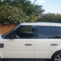 Landrover range rover sport price reduced to go now R 280000 neg
