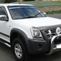 2009 Isuzu double cab 2.4 petrol