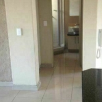RANDBURG Open plan bachelor R4000 & 1bedroomed flat to let from R4500 excl