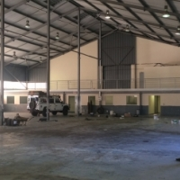 LARGE WAREHOUSE / FACTORY TO LET: CORPORATE PARK SOUTH