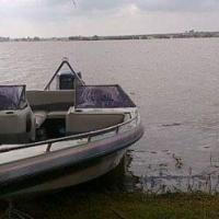 Raven speadboat Yamaha 200hp V6 light on feul