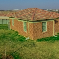 3 bed 2 Bath free standing houses to let in Olivenhoutbosch