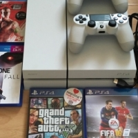 White Ps4 500Gb Console With 2 Control Pads And  Games.