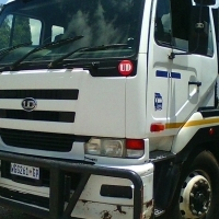 VALUE FOR MONEY 2007 NISSAN UD 440 / AS TRUCK TT OR WITH 10M TIPPER BIN (R400K)  ON THE ROAD