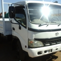 2003 4 TON TOYOTA DYNA,WITH NEW DROPSIDES