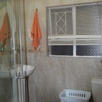 Centrally located, fully furnished flat to rent