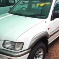 Isuzu KB 280 DT LE D/Cab Bakkie for sale
