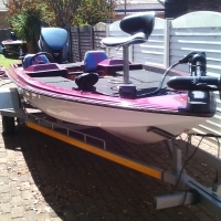 Competition ready 17ft Bass Boat r60 000 only