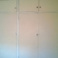 A big room with fitted wardrobe is available for rent immediately from 04/01/2016 please contact me