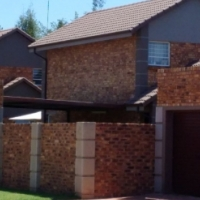 Brentwood Park Benoni, face brick 3 bed town house