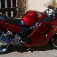 Honda 1100 black bird to swop or for sale in exelent condition.