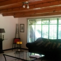 Exquisite furnished garden cottage to rent in Mountain View-N908