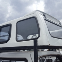 Beekman Corsa O/shape 2002 White Canopy Good condition for Sale!!!