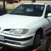 Renault Megane Classic 2.0 spares for sale