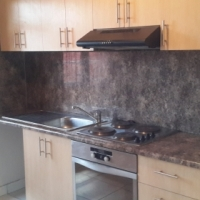Bachelor Flat to rent in Wynberg ( No Deposit Required)