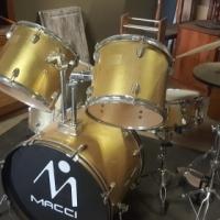 Macci Drum Set