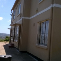 Lovely and neat 2 bedroom flat in Newlands East
