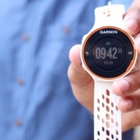 Garmin FORERUNNER 620 fitness watch with heart rate monitor and touch screen