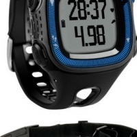 GARMIN FORERUNNER 15 fitness watches (with heart rate monitor) at cost price