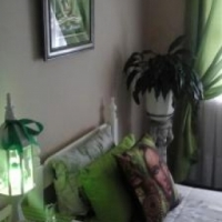 Modern sunny fully furnished room to let in Bellville.