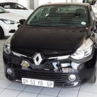 2015 Renault Clio IV 900T Expression 5Dr . 31,000 km's