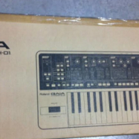 Roland Gaia SH01 Synthesizer