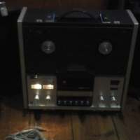 Hitachi Reel to Reel Stereo Tape Recorder
