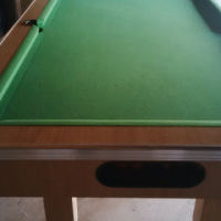FULL SIZE POOL TABLE LIKE NEW