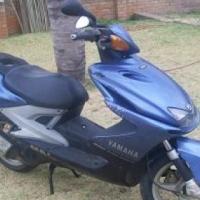 Yamaha YQ100 scooter