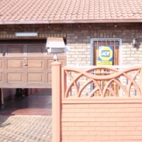 3 bed - Ext 13 Lenasia Safe & Secure near reeds