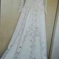 Ivory Wedding Gown & Glitter Veil