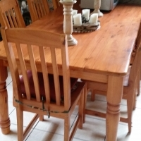Beautiful Solid Pine Kitchen table (varnished) incl.6 chairs HALF PRICE
