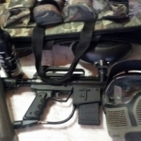 paintball gun complete with case and mask over 4000rand