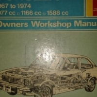 (Book) Toyota Corolla - 1967 to 1974 - Owners Workshop Manual - Haynes 201.