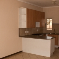 Winchester Hills 2bedrooms bath kitchen lounge 1st floor​ R4725