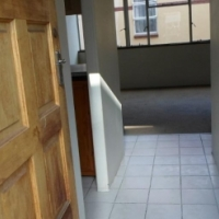 Oakdene near The Glen Shopping Centre 1bed townhouse to let for R3600