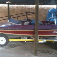 Bow rider boat - R29000 -MUST go