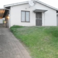 Add your own finishing touches to this lovely 2 bedroom home in Newcentre, Newlands.