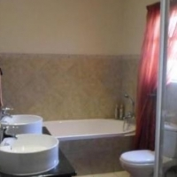 3bedroom townhouse Rusternburg R7500