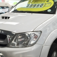 2009 Toyota Hilux 3.0 D4D FSH at Toyota + Canopy