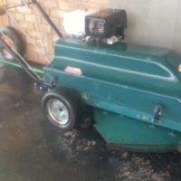 KUDU Slf Propelled Lawnmower with sit c