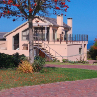 Victoriabay Heights - Well priced property with sea views