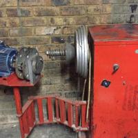 Tyre 'buffing' machine